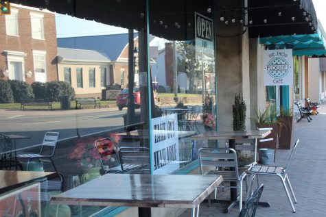Take a stroll down Main Street for locally-owned dining, ranging from barbeque to Jamaican cuisine. Stop in Main Street
