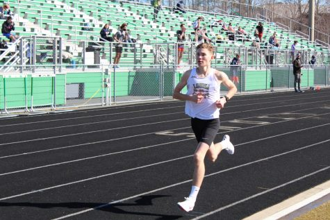 Emmert takes first place in track state championship